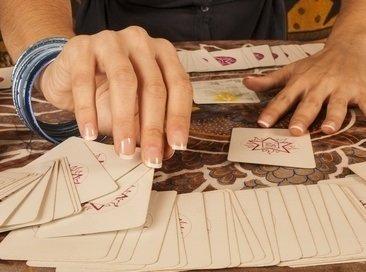 Cartomancie croisée gratuite immédiate - Tirage 32 cartes en ligne 495fe8f0e7c3